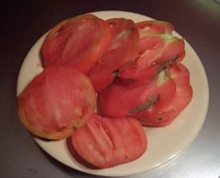 Hawaiian Pineapple Tomato Sliced
